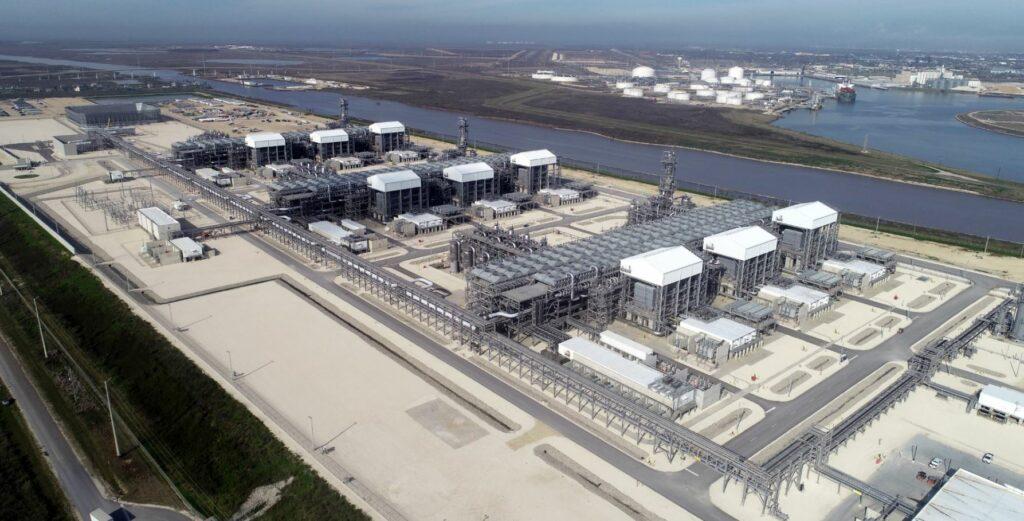 Freeport LNG demande une autorisation pour retarder le développement du train 4
