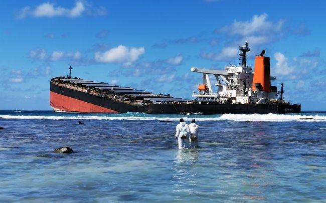 L'OMI aide à atténuer les effets de la marée noire du Mv Wakashio à Maurice